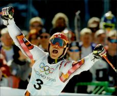 Herman Maier rejoices after the finish in the grand slalom.