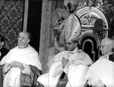 Pope Paul VI sitting in the centre.