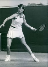 U.S. tennis player, Barbara Potter, in action, 1984.
