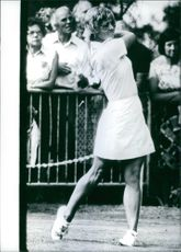 Sandra Palmer playing golf.