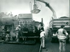 Cost-saving mastic asphalt pavements